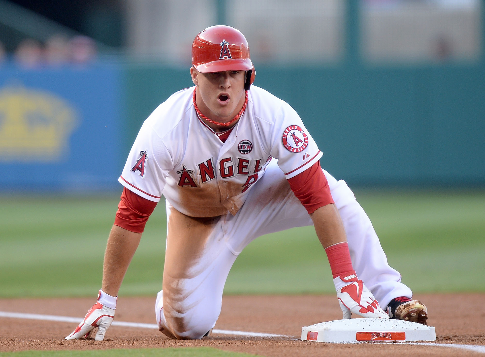 Mike Trout Position Centerfielder Bats Right Throws Right 62 235lb 188cm 106kg Team Los Angeles Angels majors Born August 7 1991 in